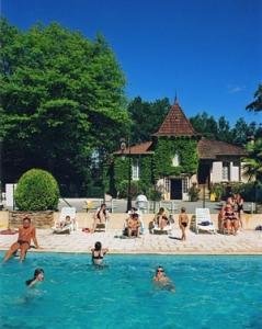 camping dordogne avec piscine couverte en dordogne perigord a la roque gageac pres de sarlat