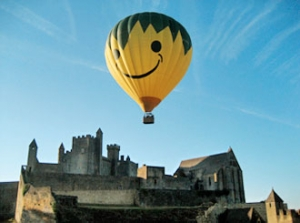 vol en montgolfière dans la vallée de la Dordogne en Périgord noir