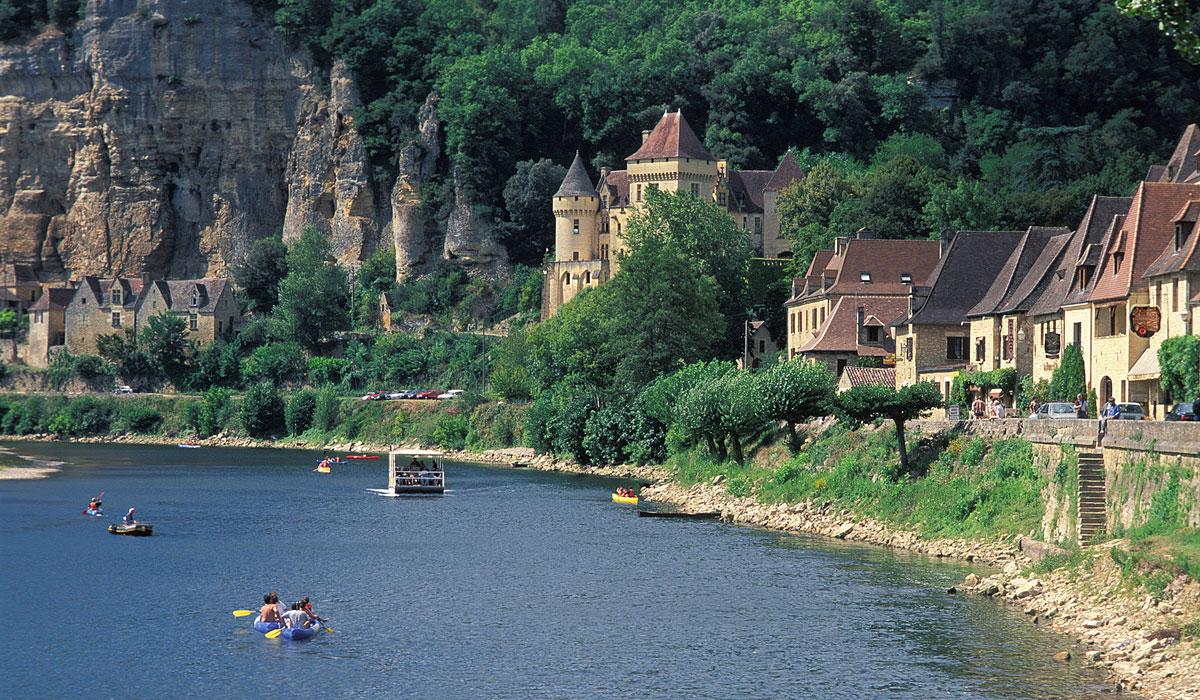le village de La Roque Gageac dans le Périgord noir en Dordogne proche de sarlat