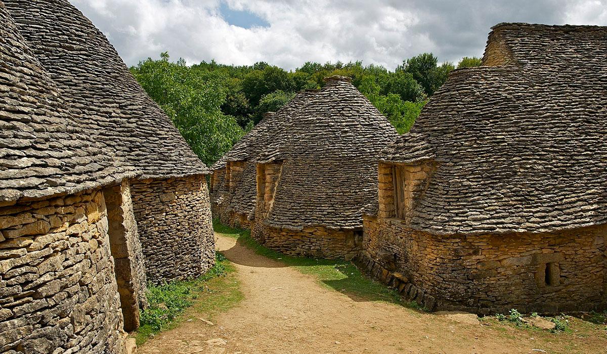 bories traditionelle du Périgord noir en Dordogne proche de sarlat