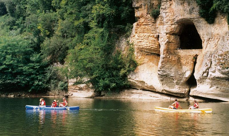 camping Dordogne en bord de rivière dans le périgord noir proche de sarlat