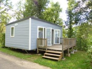location mobile-home mercure avec terrasse au camping la butte a la roque gageac en dordogne perigord noir