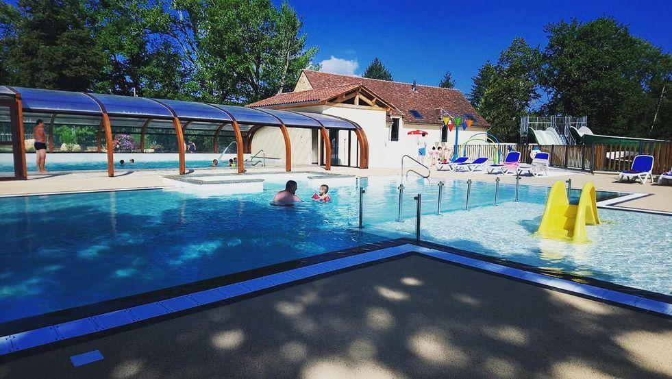 camping dordogne avec piscine dans le perigord et parc aquatique
