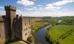 le point de vue du chateau de beynac sur la vallee dordogne